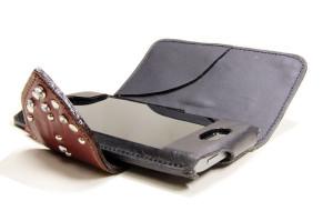 革の手帳型iPhoneケース黒