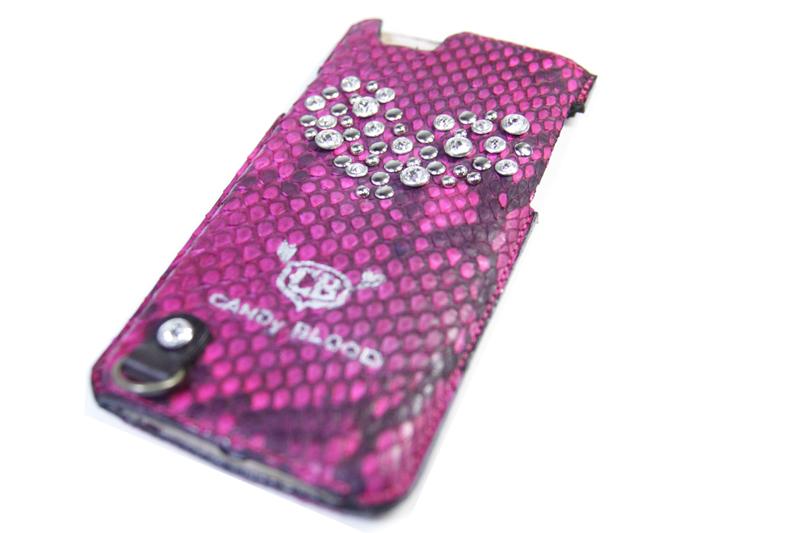 蛇革のハンドメイドのiPhoneケース