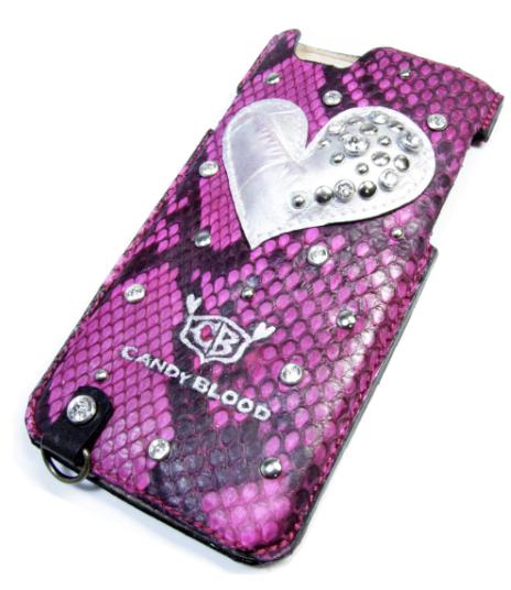 ピンクのハートのiPhoneケース