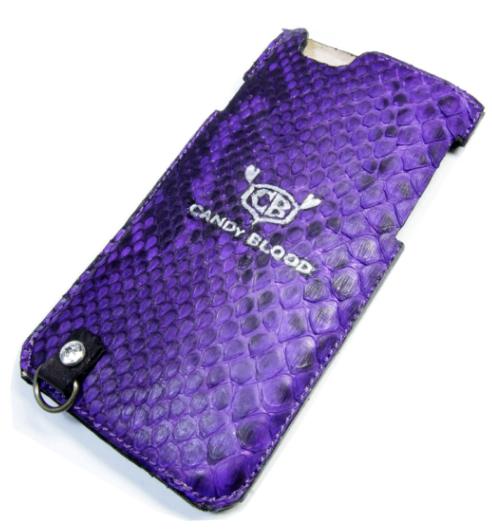 紫ヘビ革のiPhoneケース