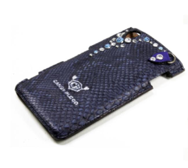 蛇革のターコイズが付いたiPhoneケース
